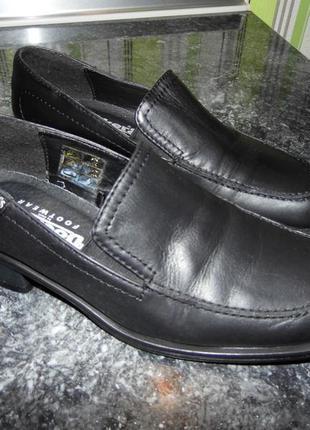 Глубокие туфли-кожа - dockers footwear- eur.36-оригинал!!! стелька 22.5 см.