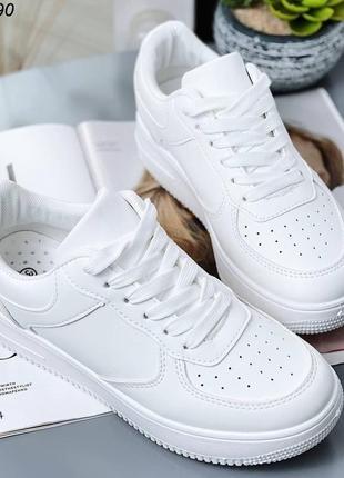 Супер стильные белые кросовки