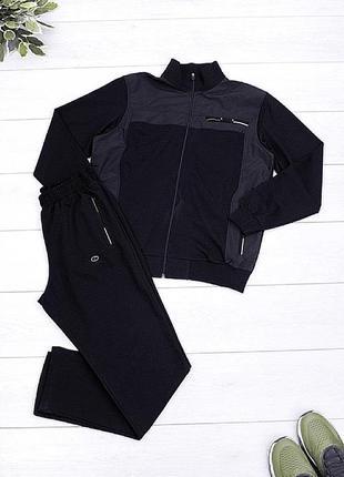 Мужской черный спортивный костюм