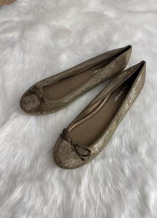 Туфли балетки новые блестящие
