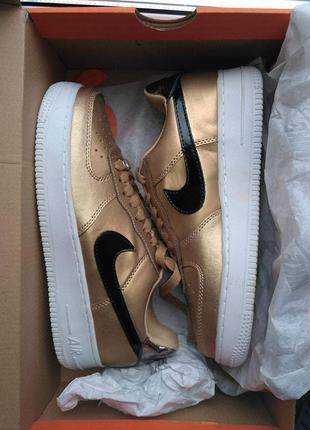 Новые nike air force золото