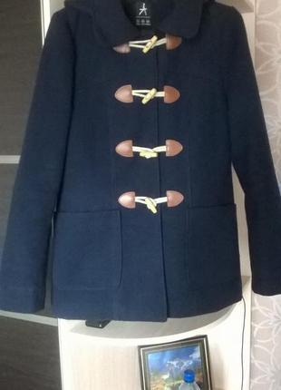 Пальто-дафлкот с капюшоном