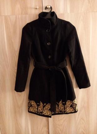 Весеннее елегантное пальто