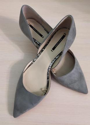 Классические замшевые туфли-лодочки zara basic