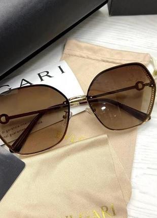 Сонцезахисні окуляри bvlgari
