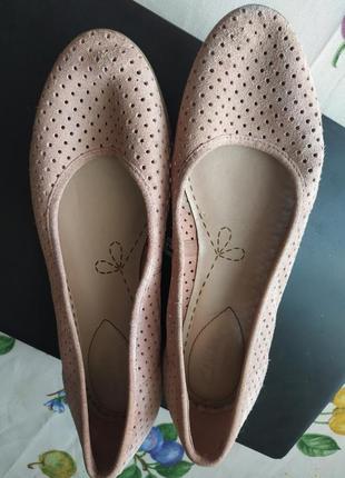 Замшевые розовые балетки туфли clarks