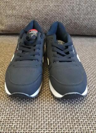 Кросівки підліткові розмір 38