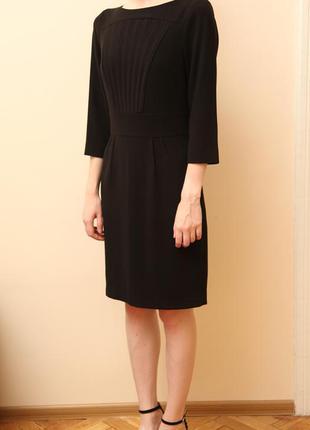 Новое строгое платье monton