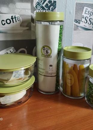 Набір скляних ємностей з кришками + 2 салатники