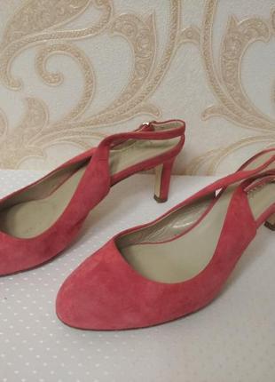 Туфли с открытой пяткой hobbs