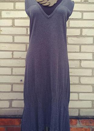 Оригинальное вязанное платье  с удлиненной спинкой италия