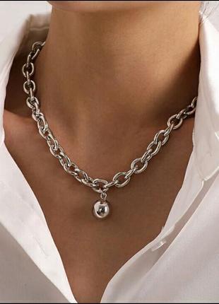 Крупная цепь колье ожерелье чокер шарик золотистое серебристое