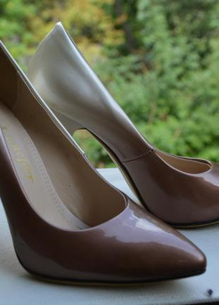 Неимоверно красивые туфли-лодочки! очень модно!
