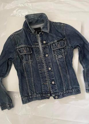 Джинсова куртка ,бренд sisley