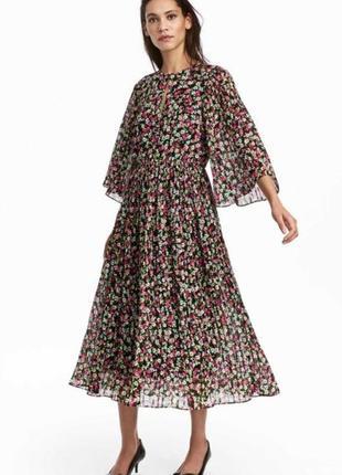 Красивое летнее шифоновое платье миди h&m в цветочный принт.
