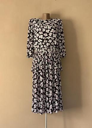 Нарядное яркое винтаж платье в цветочный принт цветы плиссе плиссировка с рукавом