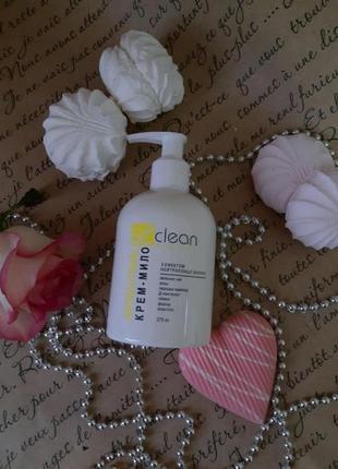 Крем-мыло «антибактериальное» с нейтрализацией запахов от немецкой компании лизоформ