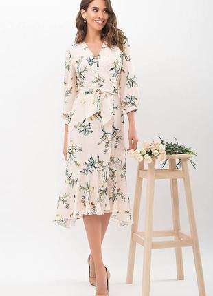Платье на запах цветочное персик ветка