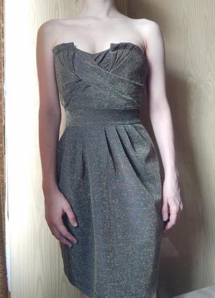 Платье без плеч