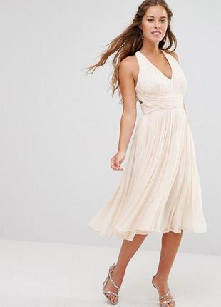 Вечернее пудровое миди платье