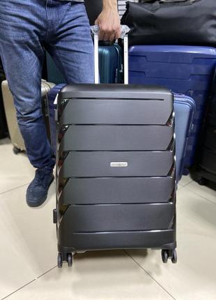 Средний чемодан из полипропилена франция