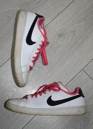Кожаные кроссовки кеды nike оригинал размер 36-37 стелька 23.5 см