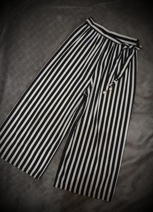 Стильні укорочені штани кюлоти