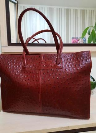 Кожаная женская сумка. италия