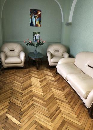 Кожанный мебельный гарнитур