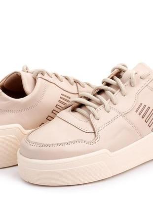 Кожаные кроссовки демисезонные женские