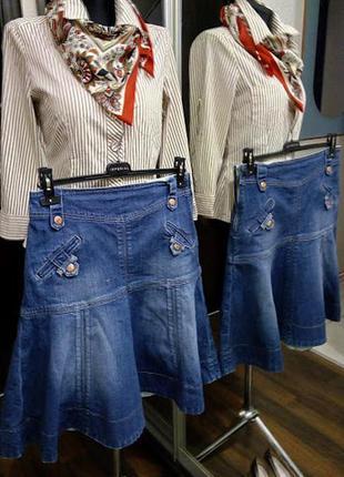 Классная  женственная джинсовая юбка миди с карманами