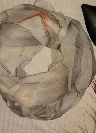 Красивый большой объемный платок шаль в пастельный тонах