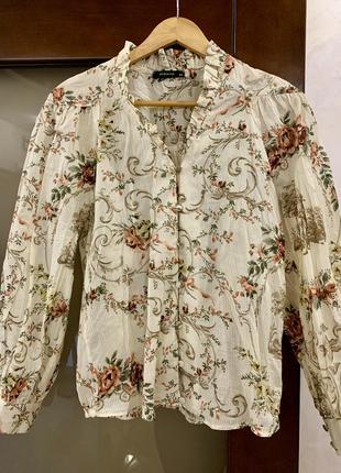 Объёмная блузка reserved