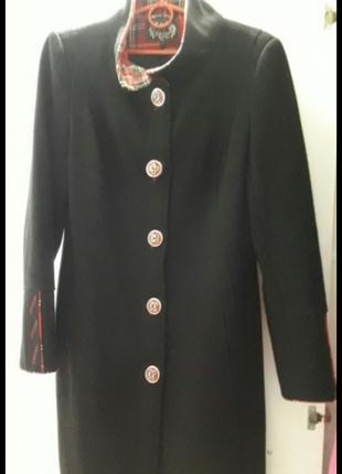 Пальто черное осенее