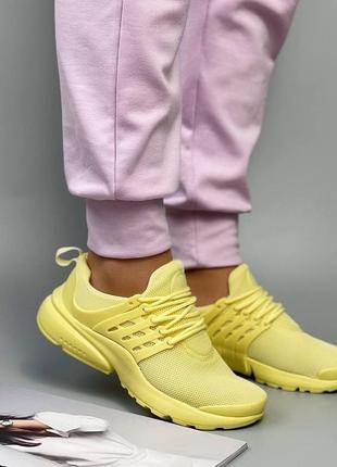 Желтые кроссовки, кросівки
