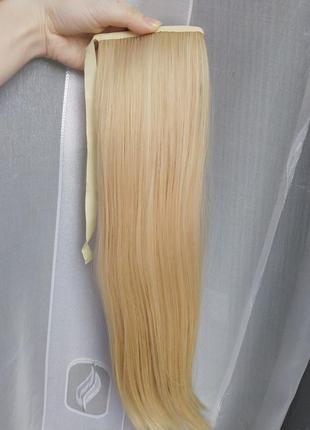 Хвост блондинки на ленте