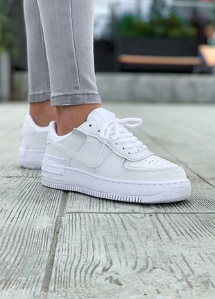 Кроссовки белые кожаные демисезон