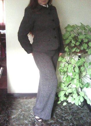Брючный костюм,пиджак и  брюки.
