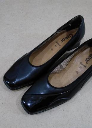 Кожаные туфли gabor черные лак классические