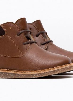 Замечательные ботиночки zara. размер 24