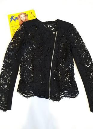 Красивый ажурный пиджак