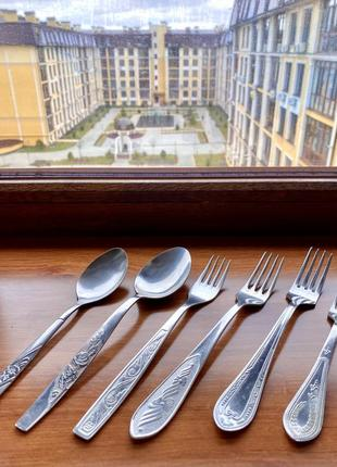 Набор ложки десертные , столовые . вилки .