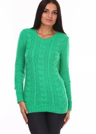Джемпер красивого зеленого цвета