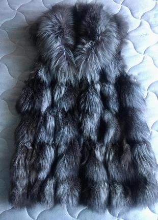 Меховая жилетка из чернобурки ( натуральная)