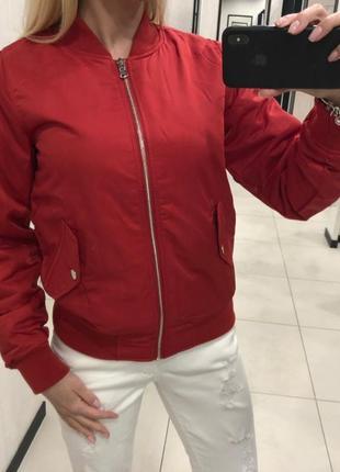 Красный утеплённый бомбер куртка ветровка. fbsister. amisu. размер s.