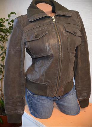 Курточка из натур. свин.кожи плотная, все вещи в распродаже по цене от 50грн!