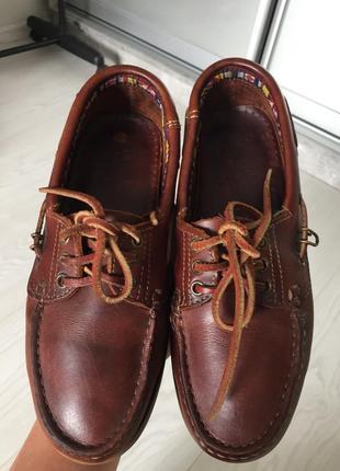 Натуральные кожаные туфли топсайдеры