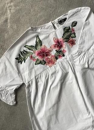 Крутая повседневная объемная белая блуза с вышивкой shein5 фото