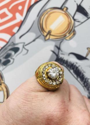 Кольцо с камнями хип хоп