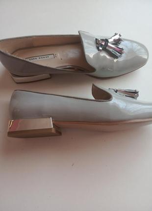 Туфлі  zara    .,б\у   лакові   .39 розмір